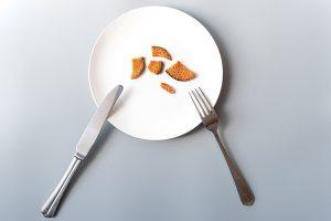 no comer bien retrasa la regla
